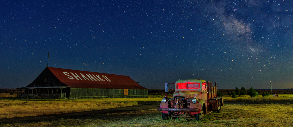 Light Painting & Milky Way @ Shaniko Ghost Town W/ Zack Schnepf & Christian Heeb